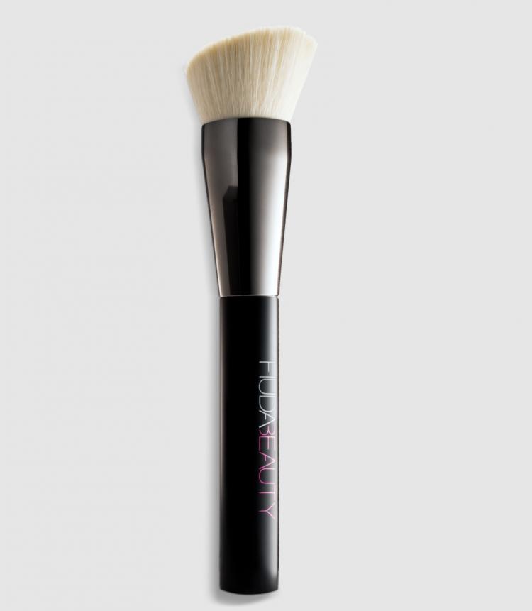 HUDA BEAUTY Buff & Blend Face Brush